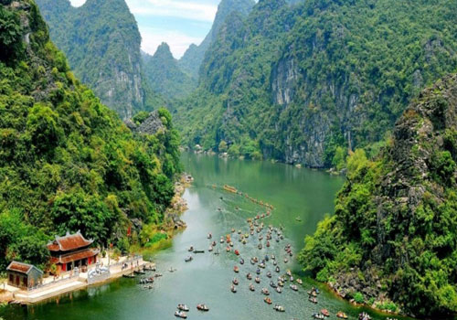 Hoa Lu and Tam Coc - Day Trip